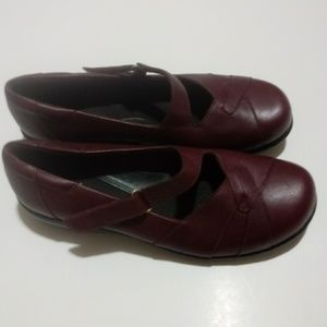 Clarks Bendables Burgundy Mary Jane Shoes 8.5W